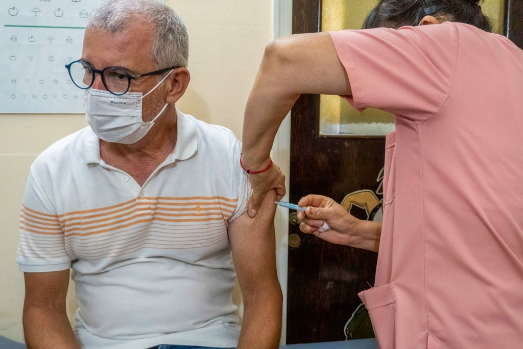 CDC Says Teachers Should Get Vaccines To Reopen Schools